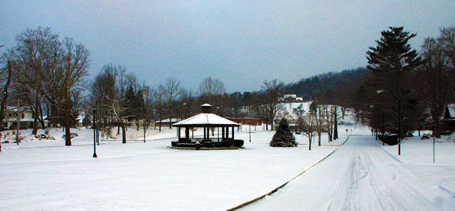 The Courthouse Mall on a snowy morning in Huntsville, Tenn.